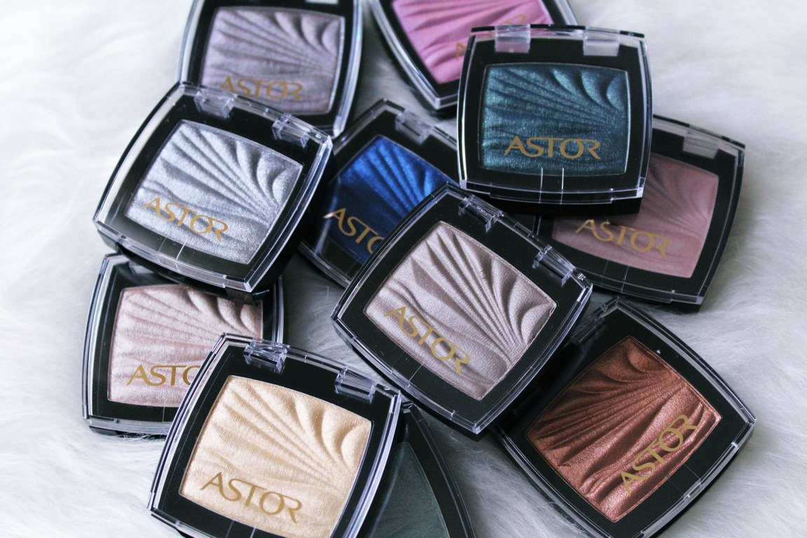 Farbübersicht der Astor EyeArtist Color Waves Eye Shadows.